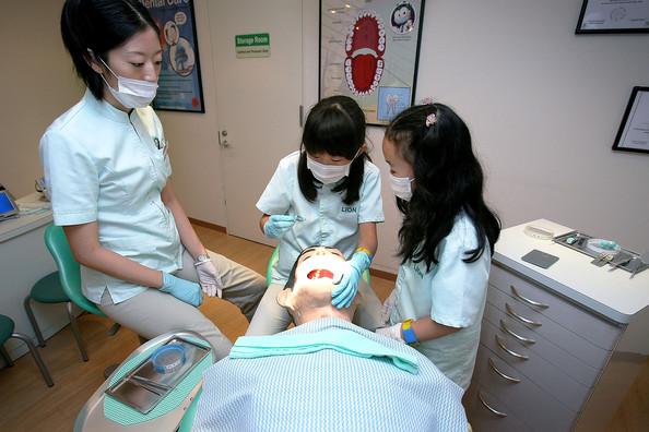 Kidzania_dentist